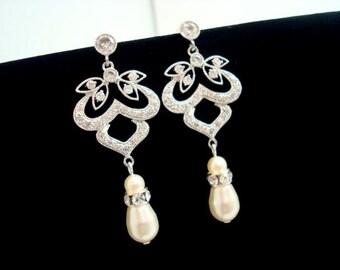 Crystal Bridal earrings, Chandelier wedding earrings, Pearl rhinestone earrings, Vintage earrings, cubic zirconia earrings, pearl earrings