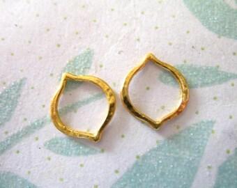 Shop Sale.. 2 pcs, MARQUIS Arabesque Moroccan Link Connector Charm Pendant, 24k Gold Vermeil, FANCY PETAL, 12x10 mm, Small,  link art  a1