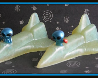 ALIEN In SPACESHIP SPACE SHiP Kids Soap - Outer Space Party Favor - Children - Gift - Choose Your Favorite Color and Scent Or Unscented