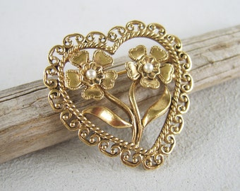 Vintage Filigree Heart & Flowers Valentine Brooch Gold