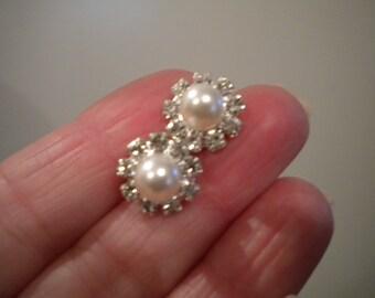 Weddings Accessories rhinestone stud, bridal earrings, bridesmaid earrings, petite pearl stud earrings E034