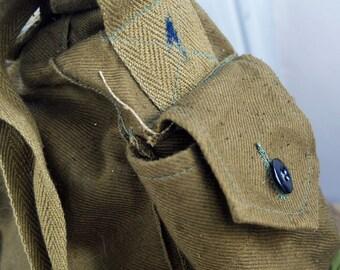 vintage military bag...  Apr 54