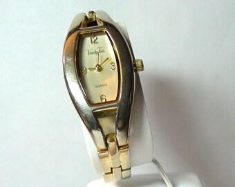 VINTAGE VANITY FAIR Bracelet Ladies  Wrist Watch Mother of Pearl Face and is working On SaLe Now