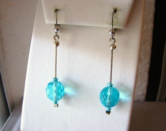 Vintage silver dangle earrings with aqua blue beads (D9)