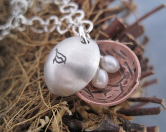 Charm Bracelet - Bird Nest Bracelet Locket - Mother's Jewelry - Nest Egg Bracelet  - Hand Stamped Personalized Family