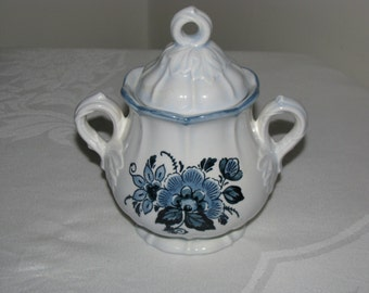 Vintage Metlox Poppytrail Colonial Garden Blue Floral Sugar Bowl With Lid Mint