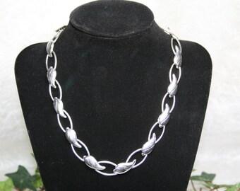 Old Crest Vintage Silver tone Leaf Link Necklace
