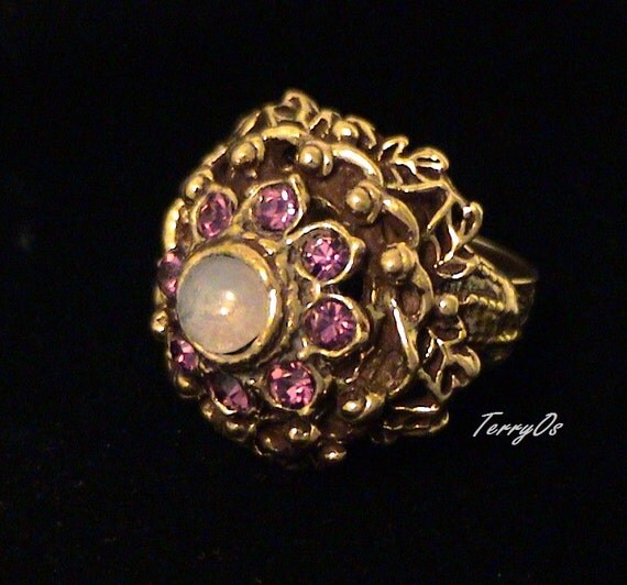 Beautiful Vintage Glass Opal and Amethyst Rhinestone Ring