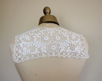 vintage lace collar 1940s, vintage dressmaking, white collar, 40s fashion, steampunk, vintage trim,  lace trim