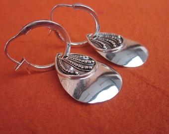 Balinese sterling Silver dangle hoop Earrings / silver 925 / Bali Handmade jewelry / 1.65 inch
