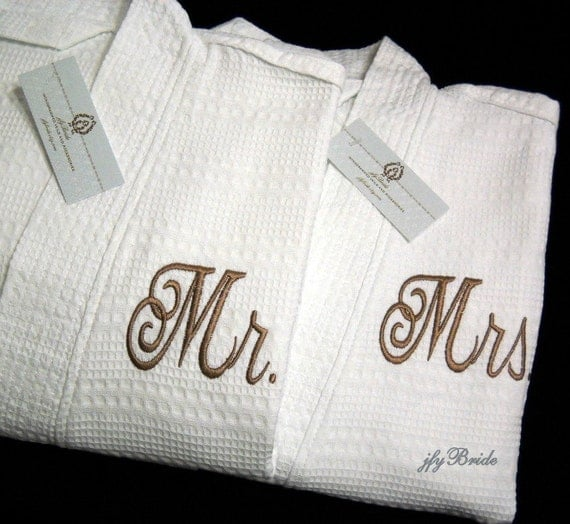 couples monogrammed robes mr mrs his hers personalized by jfybride. Black Bedroom Furniture Sets. Home Design Ideas