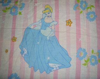 Charming Disney's Princesses Cinderella, Belle, and Auora Twin Flat Sheet