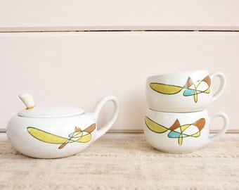 Vintage Mid Century Metlox Poppytrail.California Mobile.Cups and Sugar Bowl