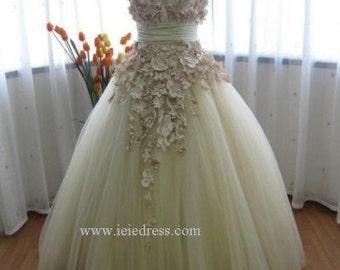 Modest Tulle Wedding Wedding with Satin Flowers | Autumn