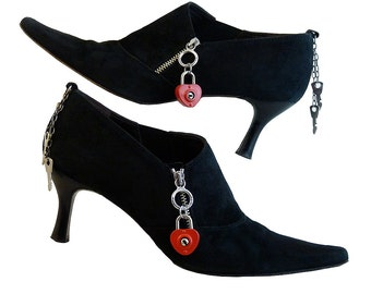 Donald J Pliner Red and Black Suede High Heel Pump Ankle Bootie // Metal Heart Locks w Keys // Outside Zippers Chelsea Style // Size 7 M