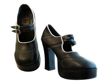 Vintage TUK Leather Mary Janes // High Heels Platform Black and White w Double Strap Buckles // Size 7 US // Brogue Pinholes