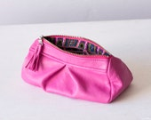 Leather cosmetic bag, makeup bag in Fuchsia pink - milloo