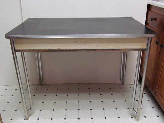 vintage 1940s linoleum top breakfast table. Black Bedroom Furniture Sets. Home Design Ideas