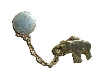 Figural Elephant Brooch. Vintage 1930s. 14K Gold Plated. Original Card. USA