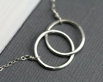 Silver Circle Necklace - Interlocking Rings Necklace