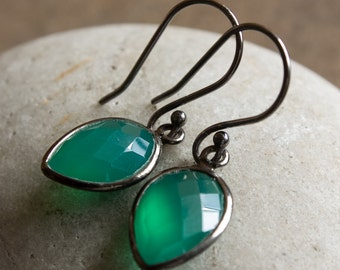 Black Rhodium Green Onyx Inverse Teardrop Earrings - May Birthstone - Emerald Green