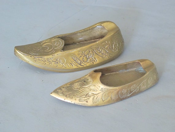 Vintage Miniature Moroccan Style Slipper Incense Burner set of 2 / Brass Shoe Ashtray, Exotic Etched Pair, Altered Art Assemblage Tobacciana