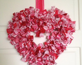 Valentines Wreath, Valentines Day Decor, Heart Shaped Wreath, Fabric Wreath, Valentines Door Wreath, Door Decoration