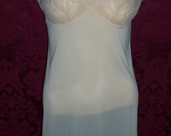 Vintage 50s Nylon and Lace Slip by Vanity Fair Size 32