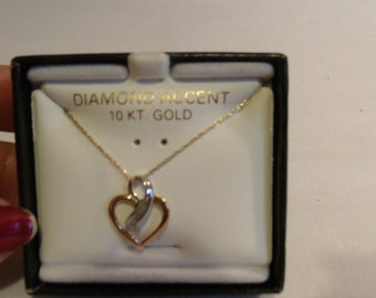Vintage 10Kt Gold Heart Diamond Necklace, w/20 inch Chain, 12 pts of Genuine Diamonds, 1980s