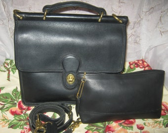 Vintage Coach Willis Shoulderbag/Matching Black Leather Pouch Chic Preppy /Stylish Fashionable Classic Wear/Lovely Back-To-School