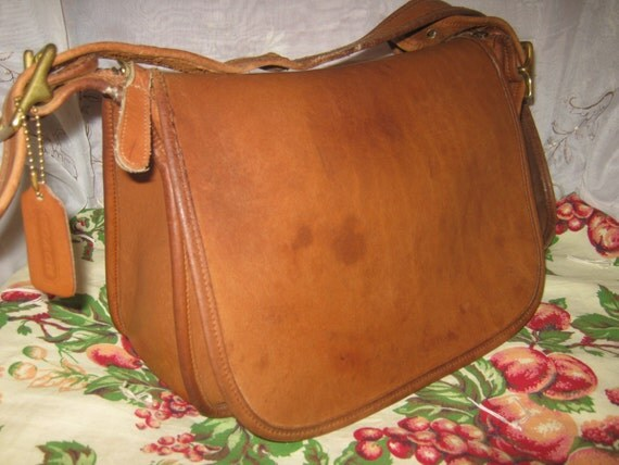 vintage coach saddle bag old british tan color shoulderbag. Black Bedroom Furniture Sets. Home Design Ideas