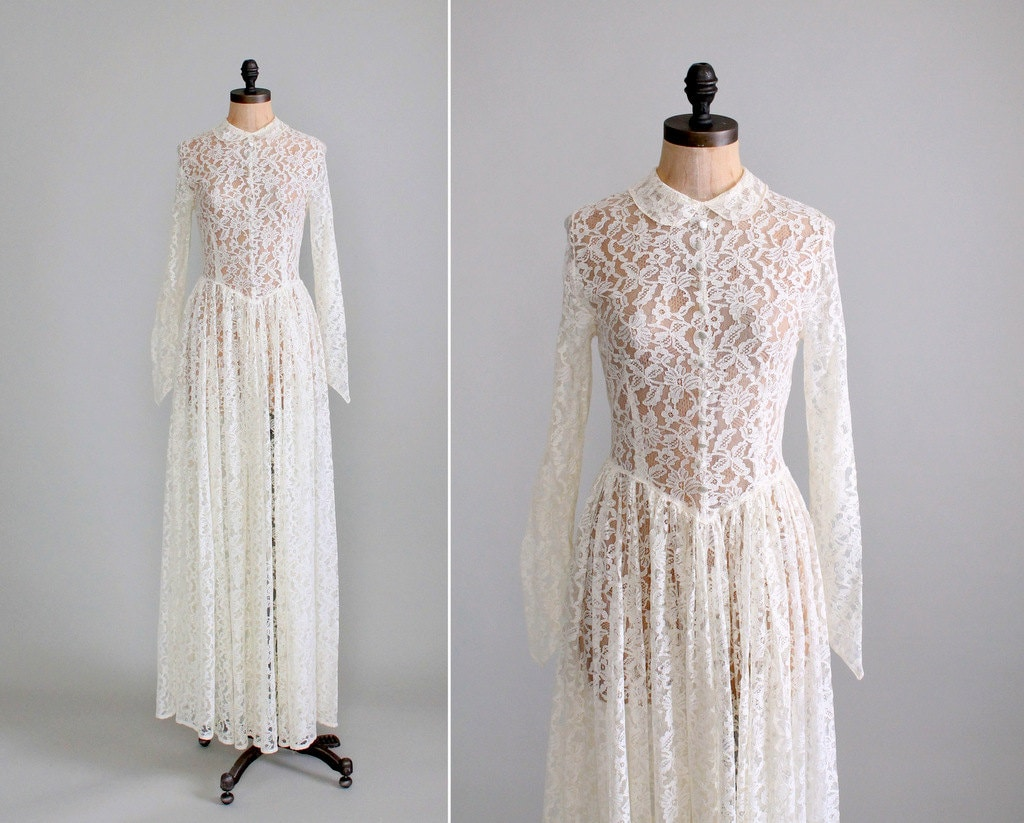 RESERVED...Vintage 1940s Wedding Dress : 40s Ivory Lace Long