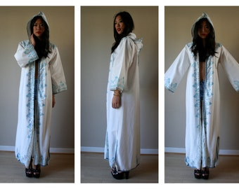 60s Duster Jacket / Embroidered Haute Hippie Hooded Cloak / White with Blue and Silver Embroidery /  Size Small-Medium sm med md 0-2