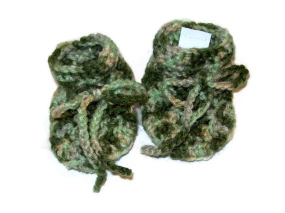 Camouflage Baby Booties 6-12 month size