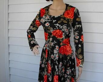 Black Floral Print Maxi Dress 70s Dress Hippie Romantic Vintage 1970s Full Skirt XS S