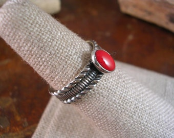 Patterned silver and red coral ring