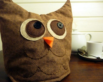 Tea cozy: small brown owl tea cozy