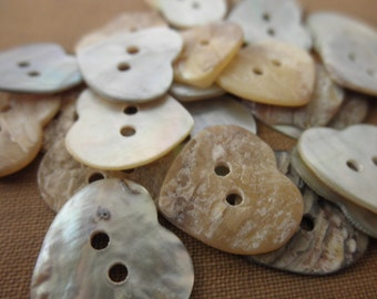 bag of 24 shell buttons -14mm - heart, mother of pearl