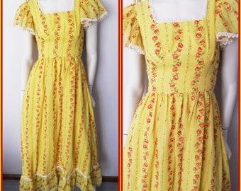 Vtg.70s Canary Yellow & Red Velvet Rose Flutter Sleeve Maxi Dress.S.Bust 34.Waist 26