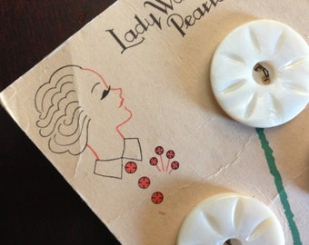 Vintage 1930s Buttons on Card - Mother of Pearl - Lady Washington