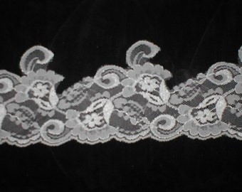 Vintage French Chantilly Lace Trim Border ivory or white