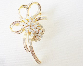 Alfred Sung Rhinestones bow brooch Superb  quality vintage jewelry