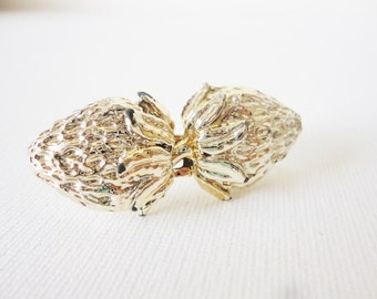 vintage strawberry belt buckle gold tone accessory small fruit
