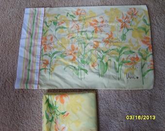 Vera Sheet and Pillow Case, Vera Linen, Vintage Sheet, Vintage Floral Sheet and Case, Vintage Sheet, Vera Linen,  Orange Floral Pattern