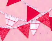 Red Valentines Day Hearts Bunting Good Will Bunting Be My Valentine - HeidiAdnum