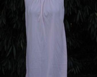 Vintage Van Raalte Nightgown / Pink Van Raalte Nightgown / Small