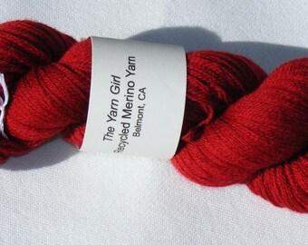Red recycled pure merino wool yarn