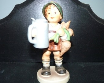 Hummel Goebel Figurine For Father , Feather in his hat bad repair       Bargain Basement b2d3