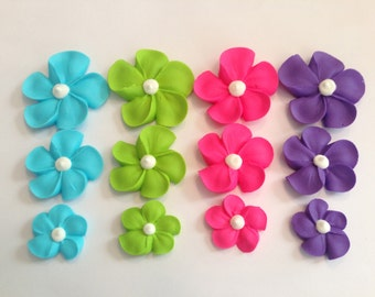 Royal icing sugar flowers LOT of 150