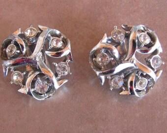 Rhinestones clip earrings